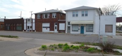 Winfield KS Commercial For Sale: $125,000