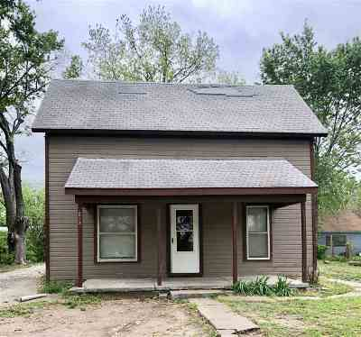 Arkansas City Single Family Home For Sale: 814 S 3rd