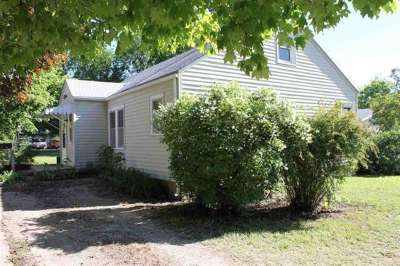Newton Single Family Home For Sale: 804 SE 2nd St