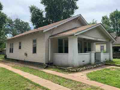 Arkansas City Single Family Home For Sale: 1032 N 4th St