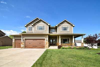 Wichita Single Family Home For Sale: 607 S Saint Andrews Dr