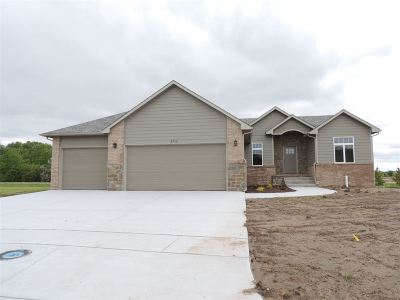 Maize KS Single Family Home For Sale: $279,000