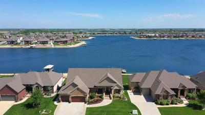 Wichita Single Family Home For Sale: 4408 W Shoreline St
