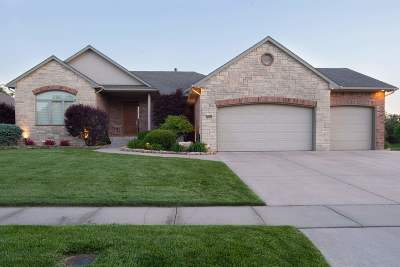 Wichita Single Family Home For Sale: 8705 W Meadow Park