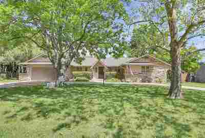 Eastborough Single Family Home For Sale: 6 S Drury Ln