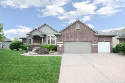 Wichita Single Family Home For Sale: 545 S Sandtrap