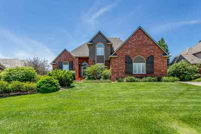 Wichita Single Family Home For Sale: 105 S Bay Country St.