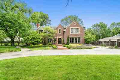 Eastborough Single Family Home For Sale: 52 E Norfolk