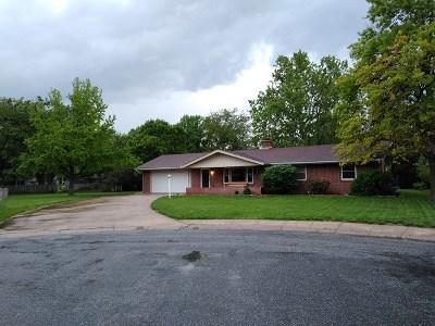 Hesston Single Family Home For Sale: 104 Willow Lane