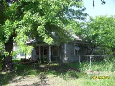Arkansas City Single Family Home For Sale: 514 S D