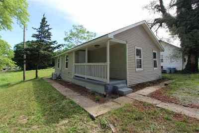 Wellington Single Family Home For Sale: 226 E 4th St