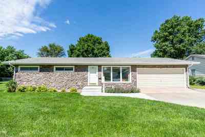 Valley Center Single Family Home For Sale: 547 N Ash Ave