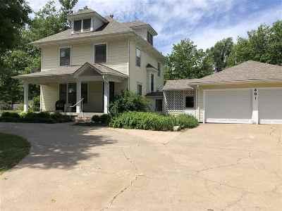 Goddard Single Family Home For Sale: 401 N Pine St