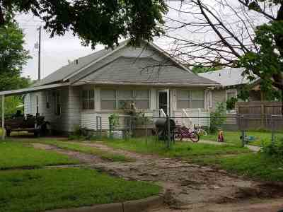 Arkansas City KS Single Family Home For Sale: $29,500