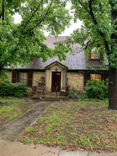 Arkansas City KS Single Family Home For Sale: $129,000