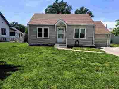 Newton Single Family Home For Sale: 505 S Magnolia