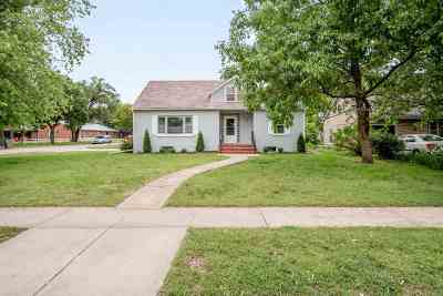 Newton Single Family Home For Sale: 208 W 23rd St N