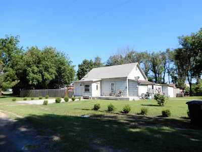 Arkansas City KS Single Family Home For Sale: $38,000