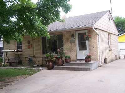 Wichita Single Family Home For Sale: 2647 N Somerset