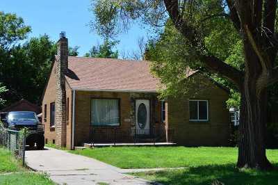 Wichita Single Family Home For Auction: 733 S Hiram St