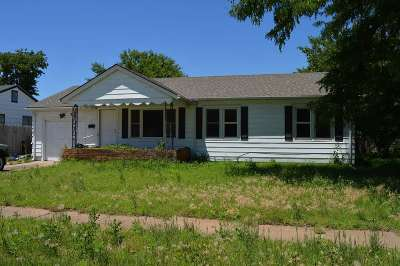 Wichita Single Family Home For Auction: 318 W 30th St S