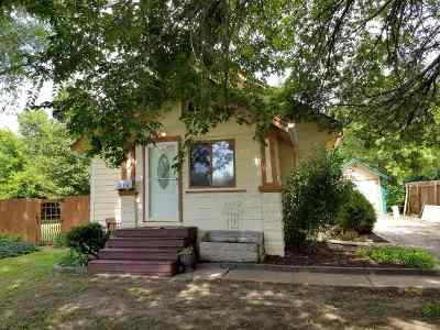 Winfield Single Family Home For Sale: 216 N Michigan St