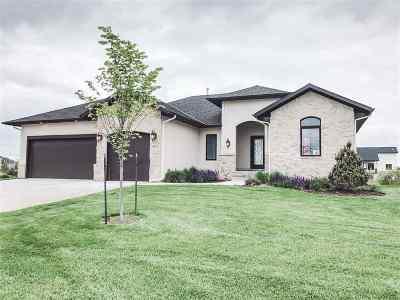 Wichita Single Family Home For Sale: 3875 N Estancia Court