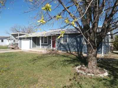 Newton Single Family Home For Sale: 3500 N Meridian Rd