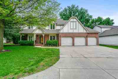 Wichita Single Family Home For Sale: 1032 N Cypress Dr
