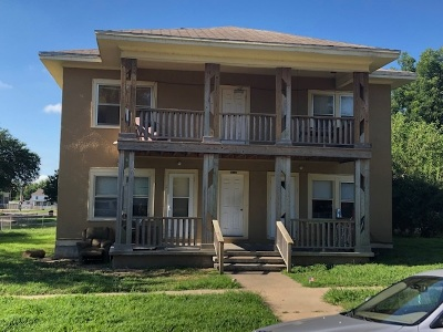 Arkansas City Multi Family Home For Sale: 217 E Jefferson