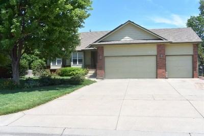 Wichita Single Family Home For Sale: 8622 W Oak Ridge Cir