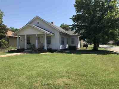 Wellington Single Family Home For Sale: 1401 N Washington Ave