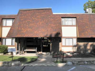 Winfield KS Condo/Townhouse For Sale: $82,500