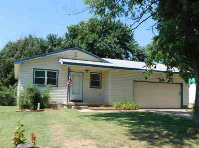 Mulvane Single Family Home For Sale: 515 N 1st Ave