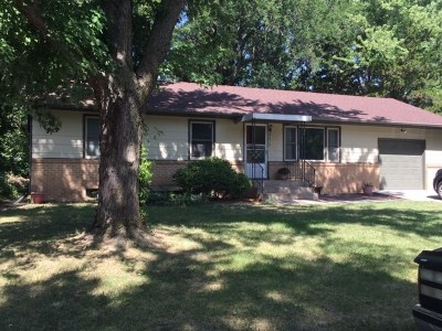 North Newton Single Family Home For Sale: 2315 Berry St