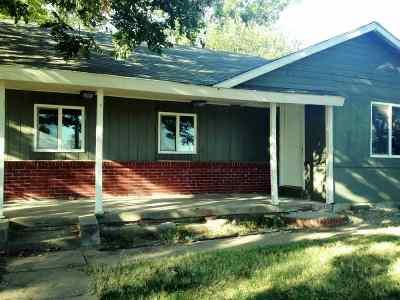 Wellington Single Family Home For Sale: 1211 E 4th