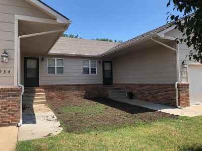 Rose Hill Multi Family Home For Sale: 932/934 N Cedar Point Cir