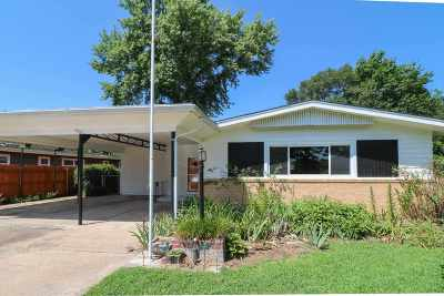 Mulvane Single Family Home For Sale: 703 N Riverdale Drive