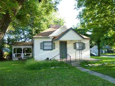 Arkansas City, Winfield Single Family Home For Sale: 601 E 17th Ave