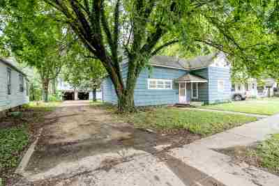 Augusta Single Family Home For Sale: 227 E Main St
