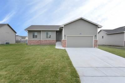 Wichita Single Family Home For Sale: 9308 E Champions St