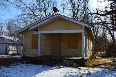 El Dorado Single Family Home For Sale: 711 W Cave Springs Ave