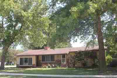 Hesston Single Family Home For Sale: 524 N Weaver