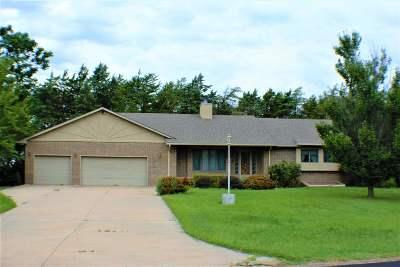 Harvey County Single Family Home For Sale: 421 Cedar Ridge Dr