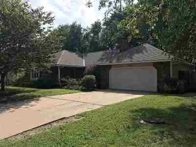 Derby Single Family Home For Auction: 907 N Briarwood Rd