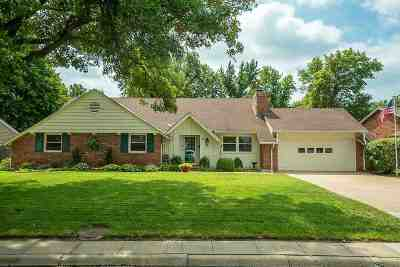Hutchinson Single Family Home For Auction: 221 Countryside Dr