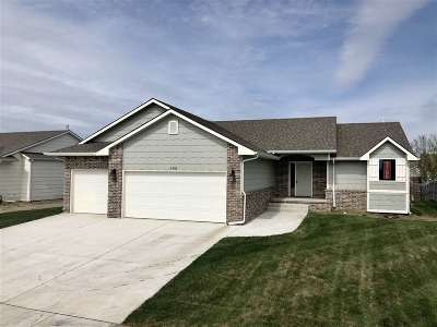 Maize Single Family Home For Sale: 608 S Horseshoe Bend