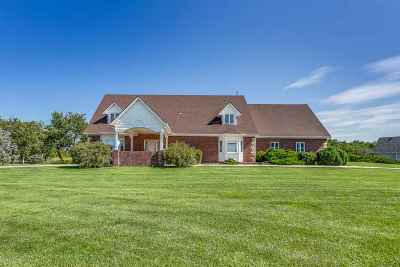 Hesston Single Family Home For Sale: 48 Parkview Rd