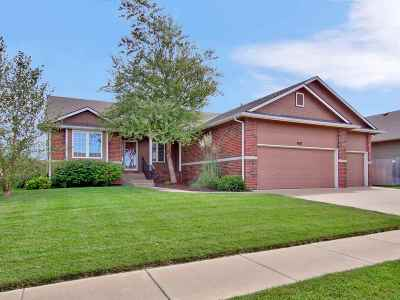 Wichita Single Family Home For Sale: 8621 E Scragg Cir.