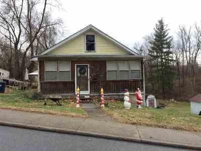 Ashland Single Family Home For Sale: 1837 S Belmont